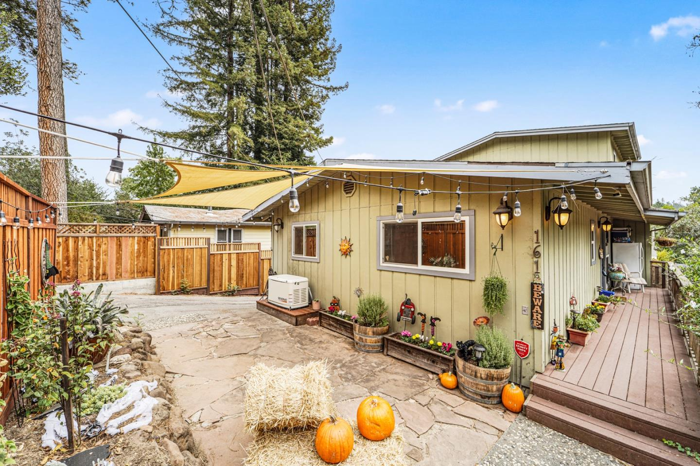 Detail Gallery Image 1 of 1 For 161 Madrone Ave, Ben Lomond,  CA 95005 - 3 Beds | 2 Baths