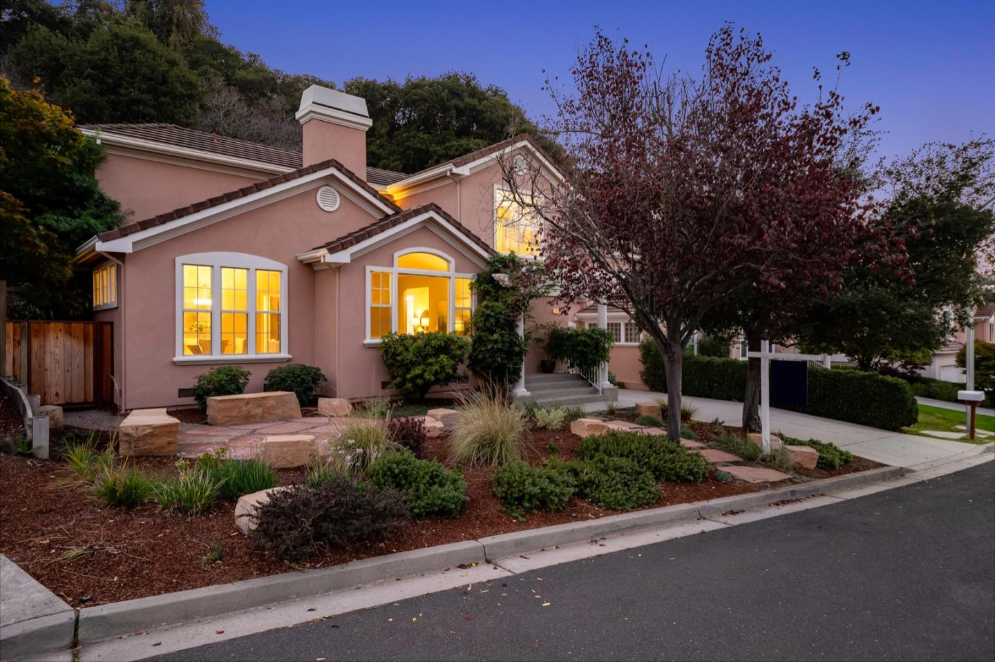Detail Gallery Image 1 of 1 For 2610 Carlmont Dr, Belmont,  CA 94002 - 3 Beds | 2/1 Baths