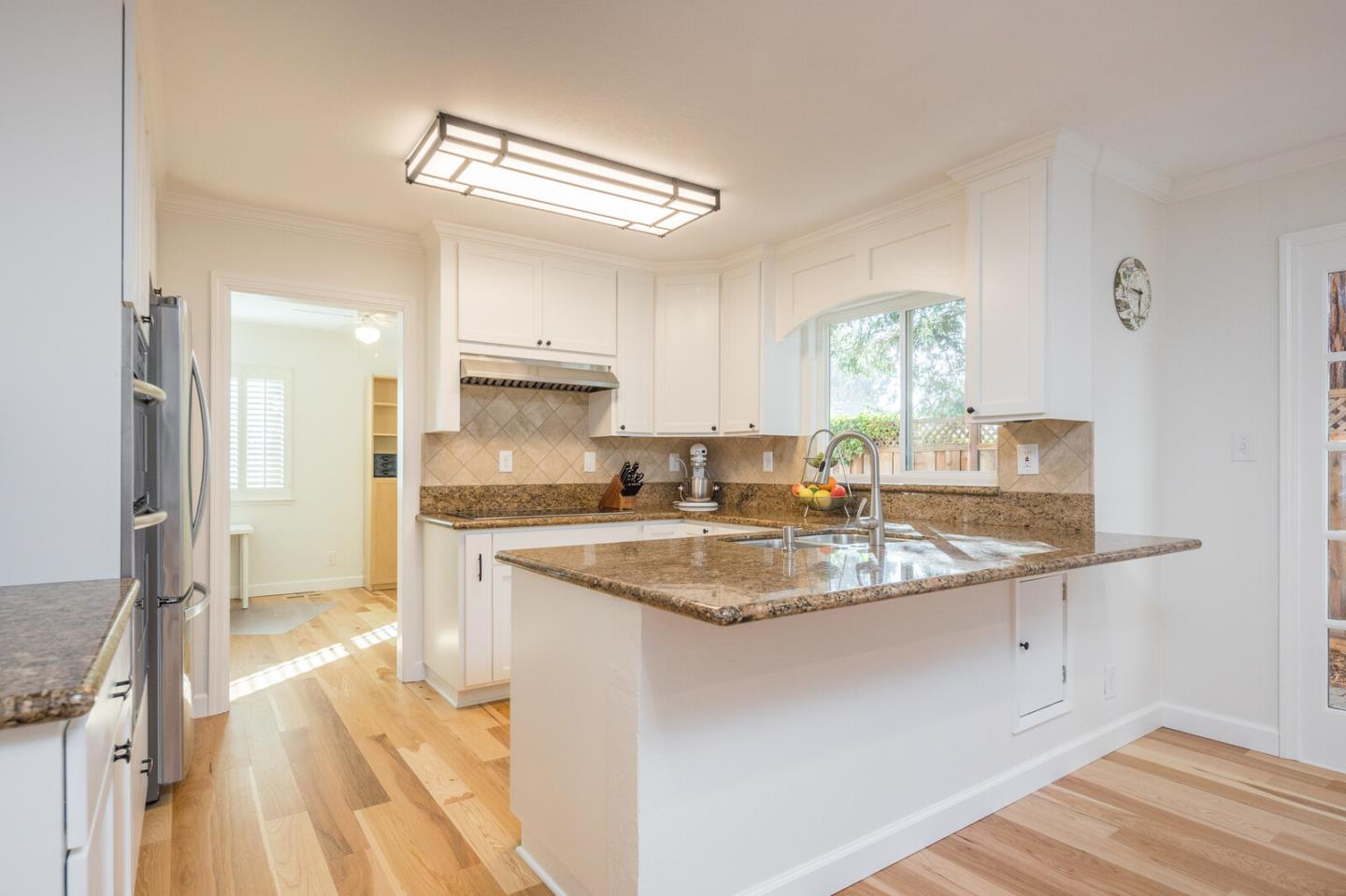 Detail Gallery Image 1 of 1 For 106 Central Ave, Redwood City,  CA 94061 - 3 Beds   2/1 Baths