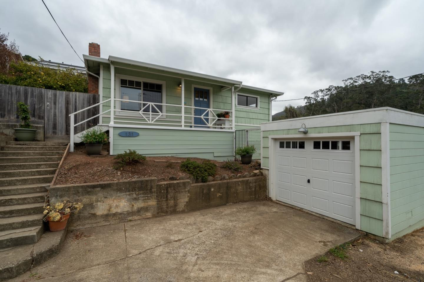 Detail Gallery Image 1 of 1 For 131 Angelita Ave, Pacifica,  CA 94044 - 2 Beds   1 Baths