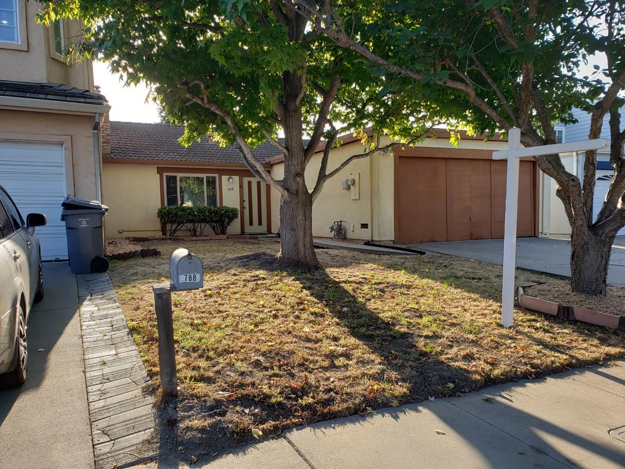 Detail Gallery Image 1 of 1 For 788 Alvarado Dr, Salinas,  CA 93907 - 2 Beds | 1 Baths