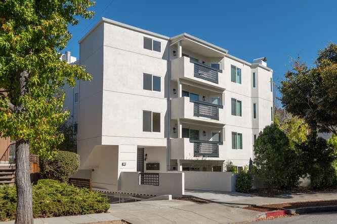 Located right in the heart of downtown Burlingame, this immaculately maintained condominium residence is available for immediate occupancy.  Formal entry, living room with gas starter fireplace; spacious dining area.  Eat-in kitchen and breakfast bar; loads of cabinet space; pantry.  Balcony off kitchen.  Master en suite with spa-like tub with jets plus stall shower, dual vanity.  2nd bedroom and bath with shower over tub; access to balcony.  Lots & lots of closet space. Plantation shutters.  Freshly painted.  Laundry in unit.  2-car parking + 2 storage units.   E-Z access to Hwy 101; train station, SFO.  Only 8 units in complex.