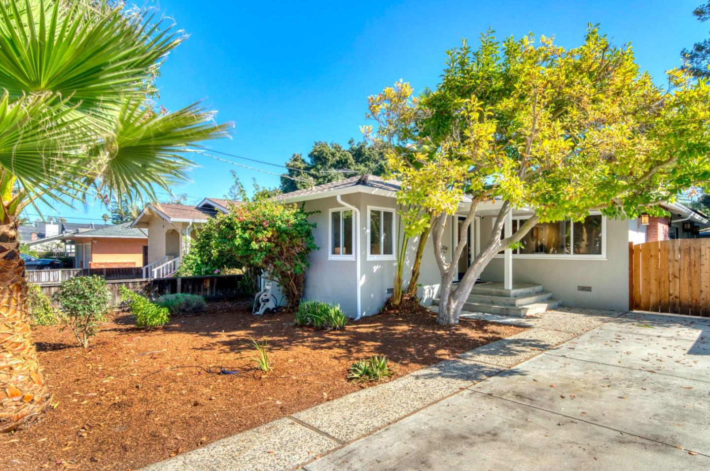 Detail Gallery Image 1 of 39 For 733 Ehrhorn Ave, Mountain View,  CA 94041 - 3 Beds | 2 Baths