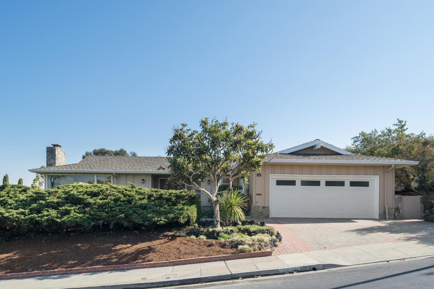 Detail Gallery Image 1 of 1 For 2701 Arguello Dr, Burlingame,  CA 94010 - 3 Beds | 2 Baths