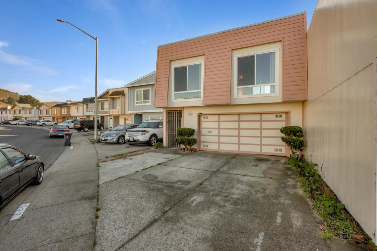 Detail Gallery Image 1 of 1 For 602 Price St, Daly City,  CA 94014 - 3 Beds | 2 Baths