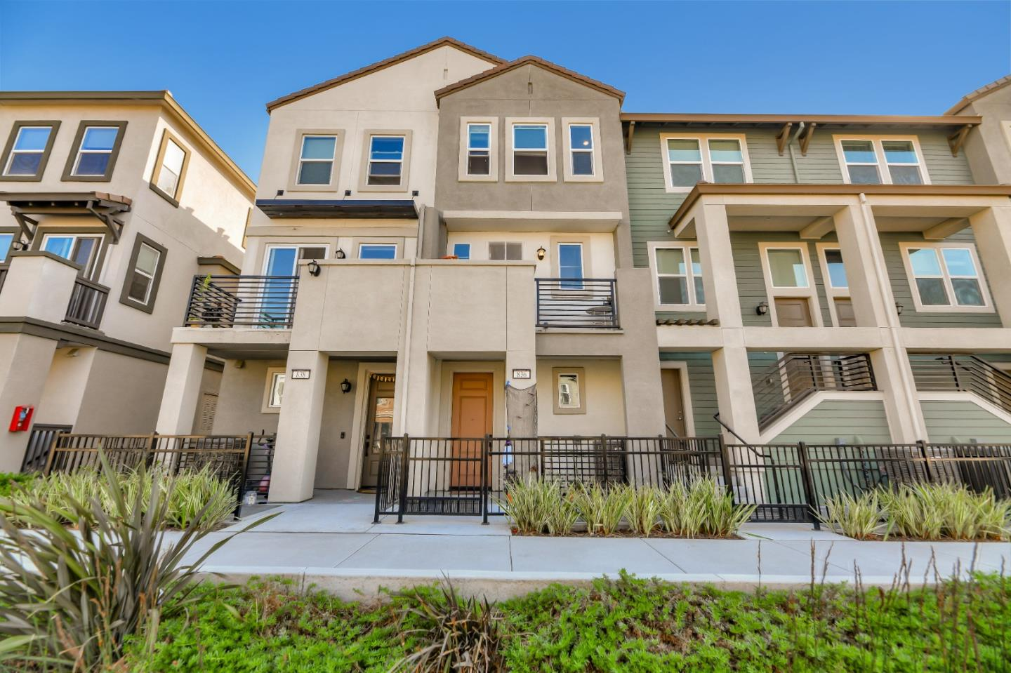 Detail Gallery Image 1 of 1 For 836 Garden St, Milpitas,  CA 95035 - 2 Beds | 1/1 Baths