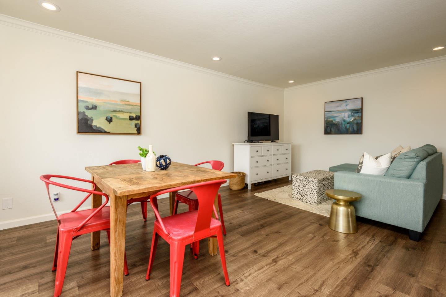 Detail Gallery Image 1 of 11 For 1614 Hudson St #301,  Redwood City,  CA 94061 - 2 Beds   1 Baths