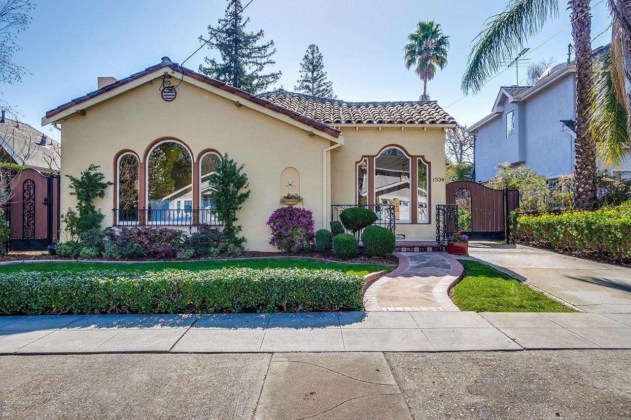 Detail Gallery Image 1 of 58 For 1334 Mckendrie St, San Jose,  CA 95126 - 3 Beds | 1/1 Baths
