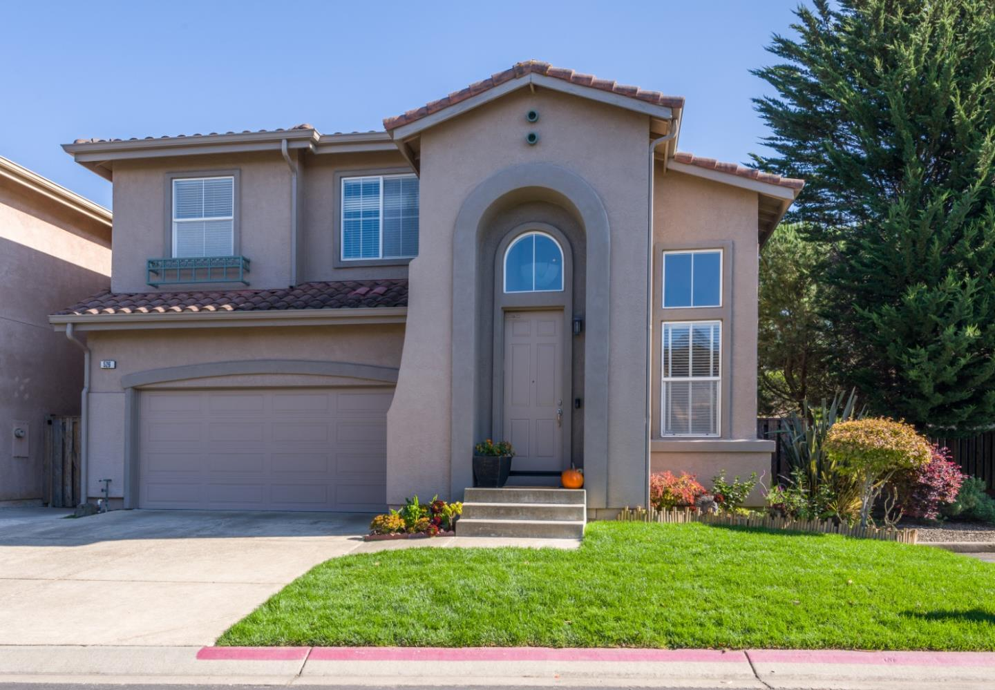 Detail Gallery Image 1 of 1 For 526 Sea Spray Ct, Pacifica,  CA 94044 - 5 Beds   3 Baths