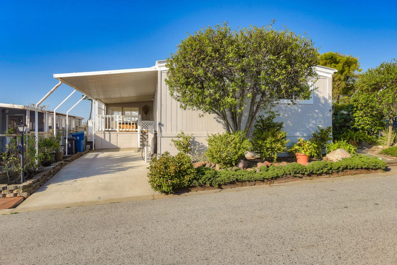 Detail Gallery Image 1 of 30 For 5 Sunset Ter #5,  Half Moon Bay,  CA 94019 - 2 Beds | 2 Baths