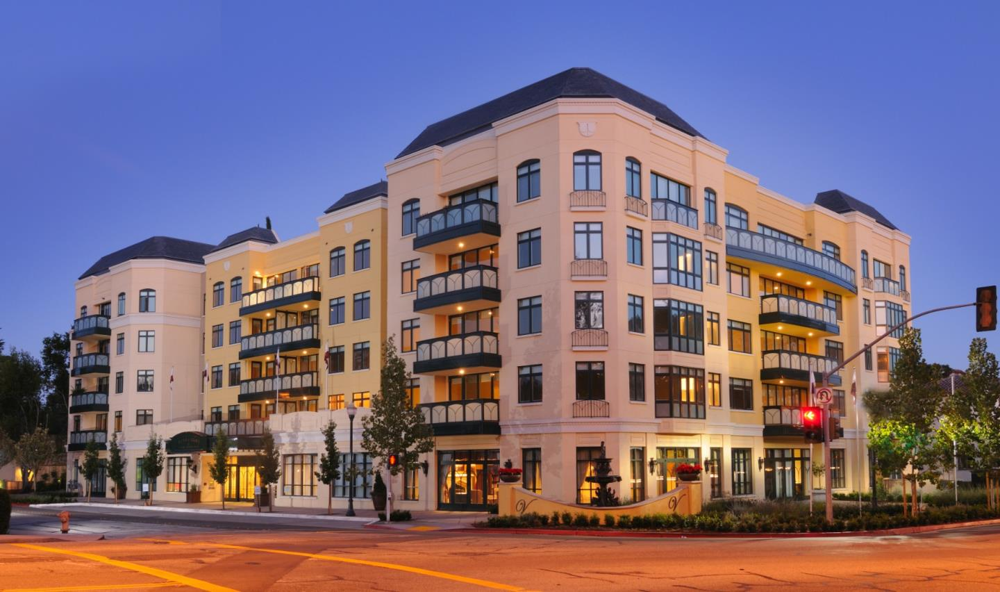 Detail Gallery Image 1 of 20 For 10 Crystal Springs Rd #1409,  San Mateo,  CA 94402 - 1 Beds | 2 Baths