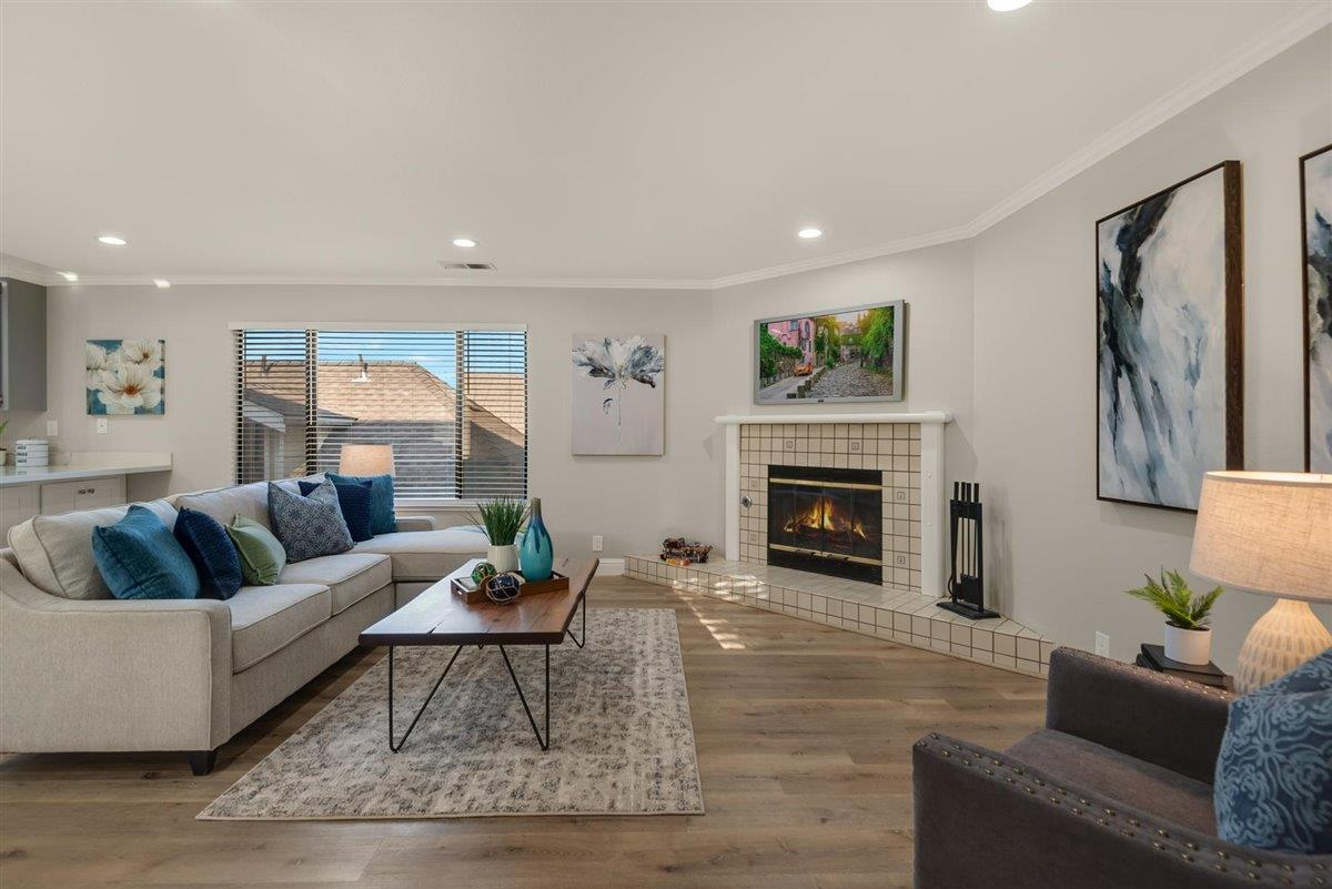 Detail Gallery Image 1 of 1 For 1870 Market St #7,  Santa Clara,  CA 95050 - 2 Beds   1 Baths