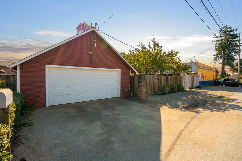 Detail Gallery Image 1 of 1 For 311 Capitola Road Ext, Santa Cruz,  CA 95062 - 1 Beds | 2 Baths