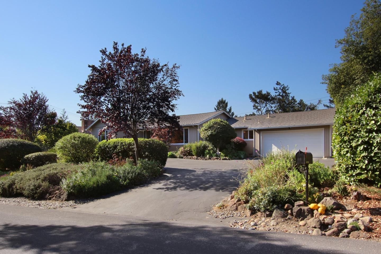 Detail Gallery Image 1 of 1 For 11 Oak Rd, Santa Cruz,  CA 95060 - 3 Beds | 2/1 Baths
