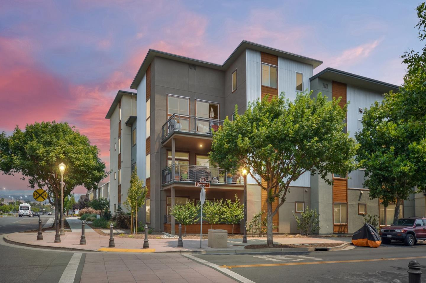 Detail Gallery Image 1 of 1 For 17590 Depot St #101,  Morgan Hill,  CA 95037 - 2 Beds | 2 Baths