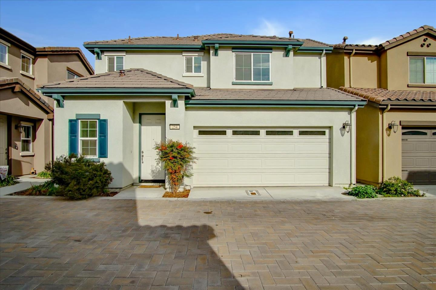Detail Gallery Image 1 of 1 For 254 Slate Ave, Hollister,  CA 95023 - 3 Beds | 2/1 Baths