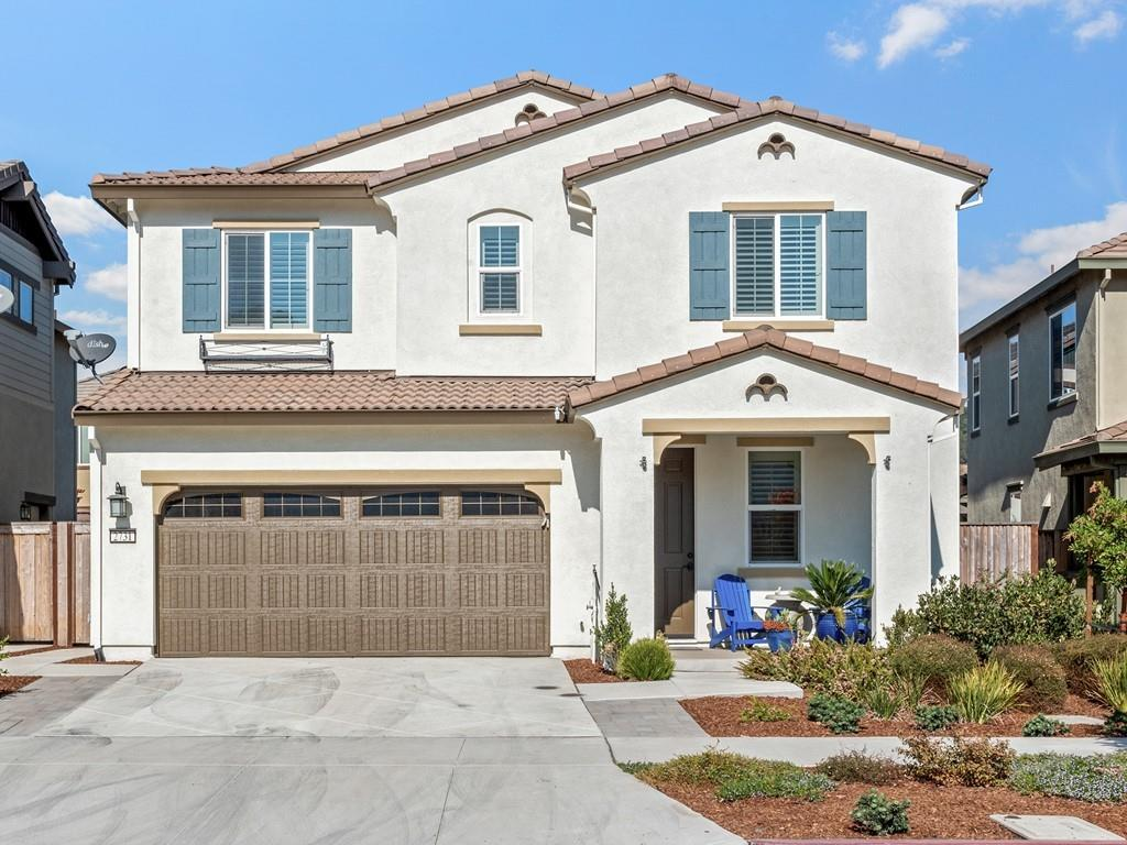 Detail Gallery Image 1 of 1 For 2731 Grassland Way, Gilroy,  CA 95020 - 3 Beds | 2/1 Baths