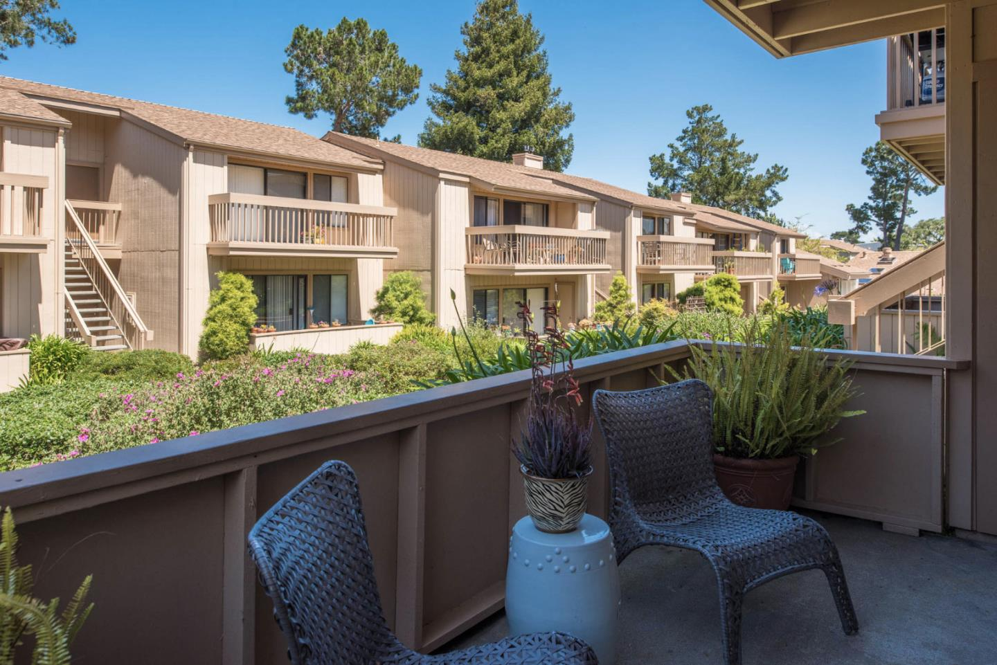 Detail Gallery Image 1 of 1 For 300 Glenwood Cir #155,  Monterey,  CA 93940 - 2 Beds | 1 Baths