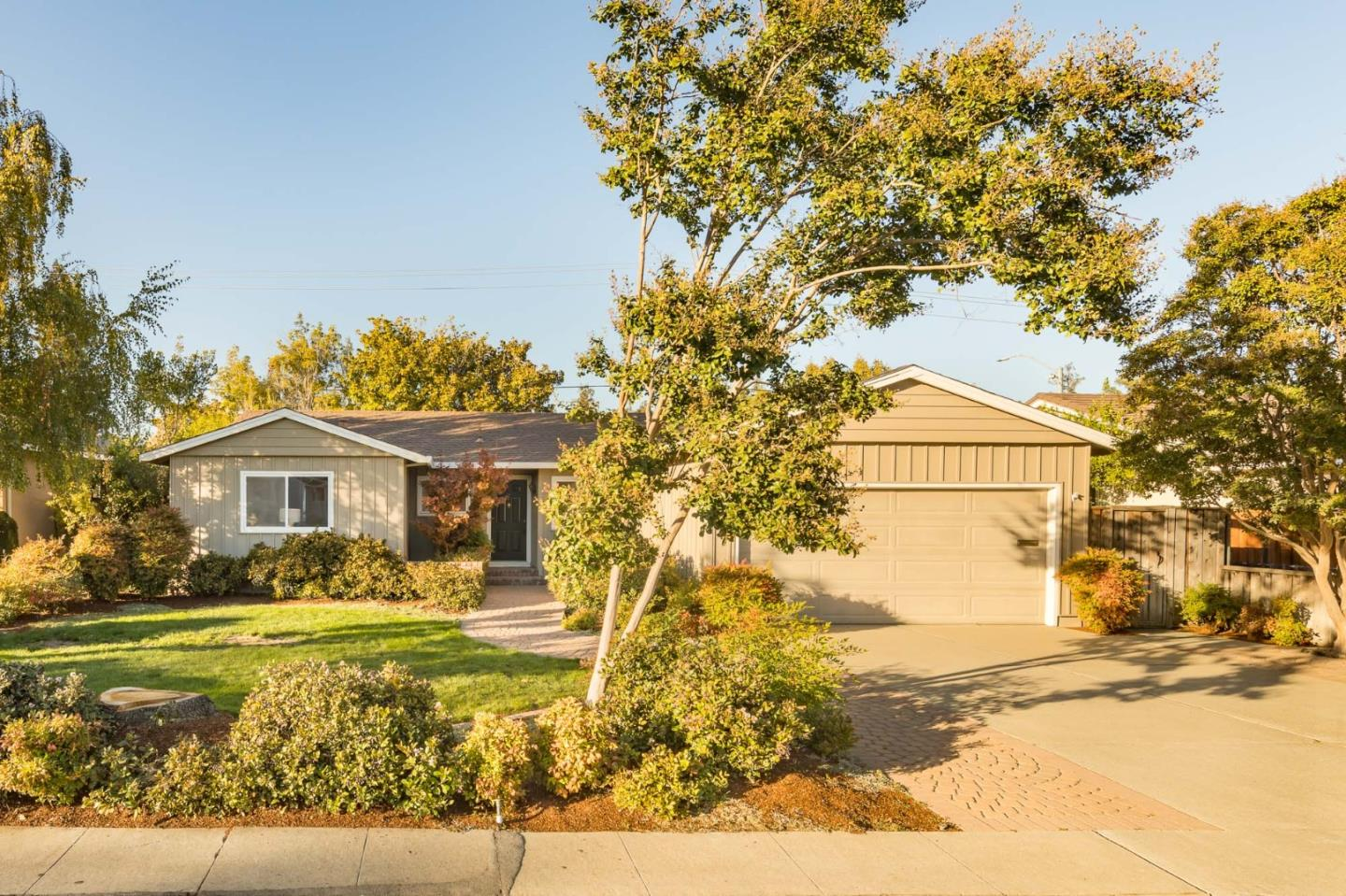 Detail Gallery Image 1 of 1 For 1069 Cassia Way, Sunnyvale,  CA 94086 - 3 Beds | 2 Baths