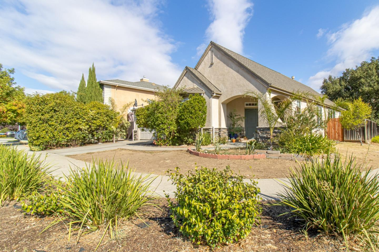 Detail Gallery Image 1 of 1 For 9100 Avezan Way, Gilroy,  CA 95020 - 4 Beds | 2 Baths