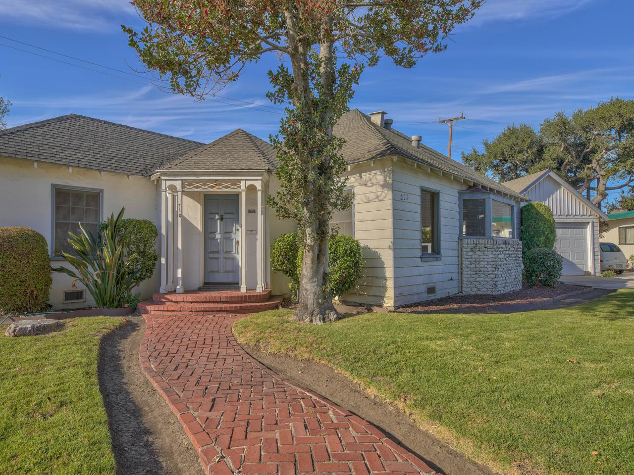 Detail Gallery Image 1 of 1 For 318 Alameda Ave, Salinas,  CA 93901 - 2 Beds   1 Baths