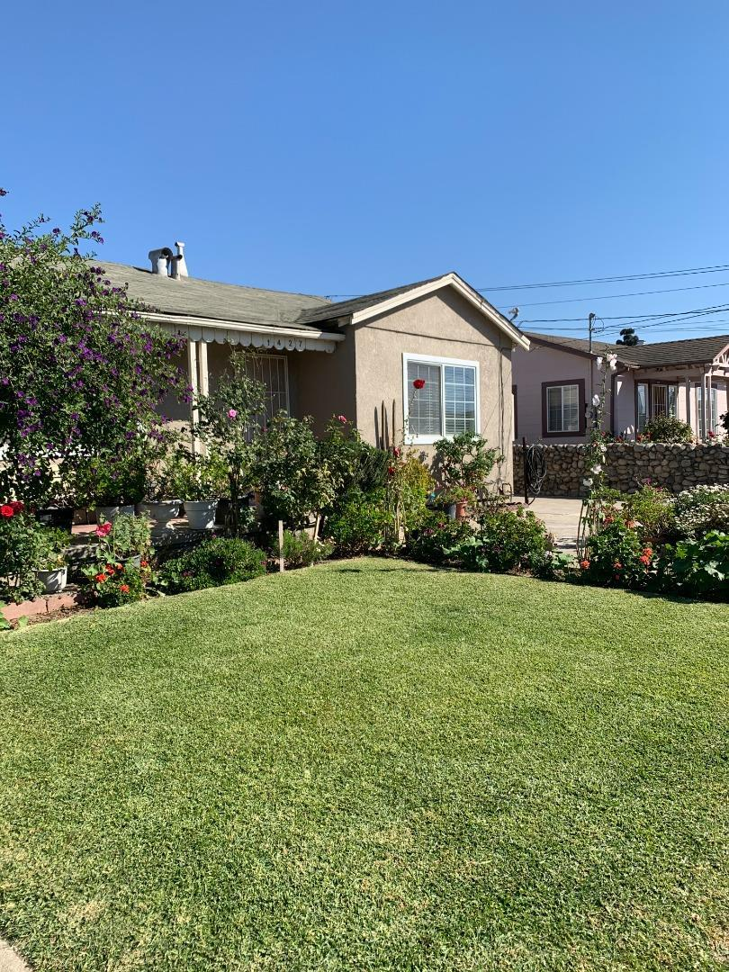 Detail Gallery Image 1 of 27 For 1427 Wiren St, Salinas,  CA 93905 - 3 Beds | 2 Baths