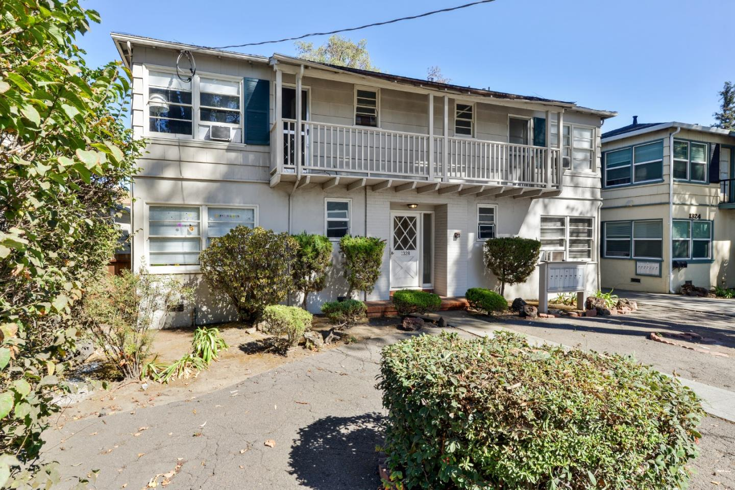Fantastic opportunity to own an attractive 7 unit apartment building in one of Burlingame's most sought after and prestigious locations! This property features: 7 Studio Units (One Vacant Unit), 7 Parking Stalls, ~5,249 SqFt Building (per Tax Records), ~6,950 SqFt Parcel (per Tax Records), located within walking distance of Broadway commercial/retail district, convenient access to US 101, I-280, SamTrans, CalTrain & more, Built in 1947, all tenants are currently month-to-month with one vacant apartment and more!