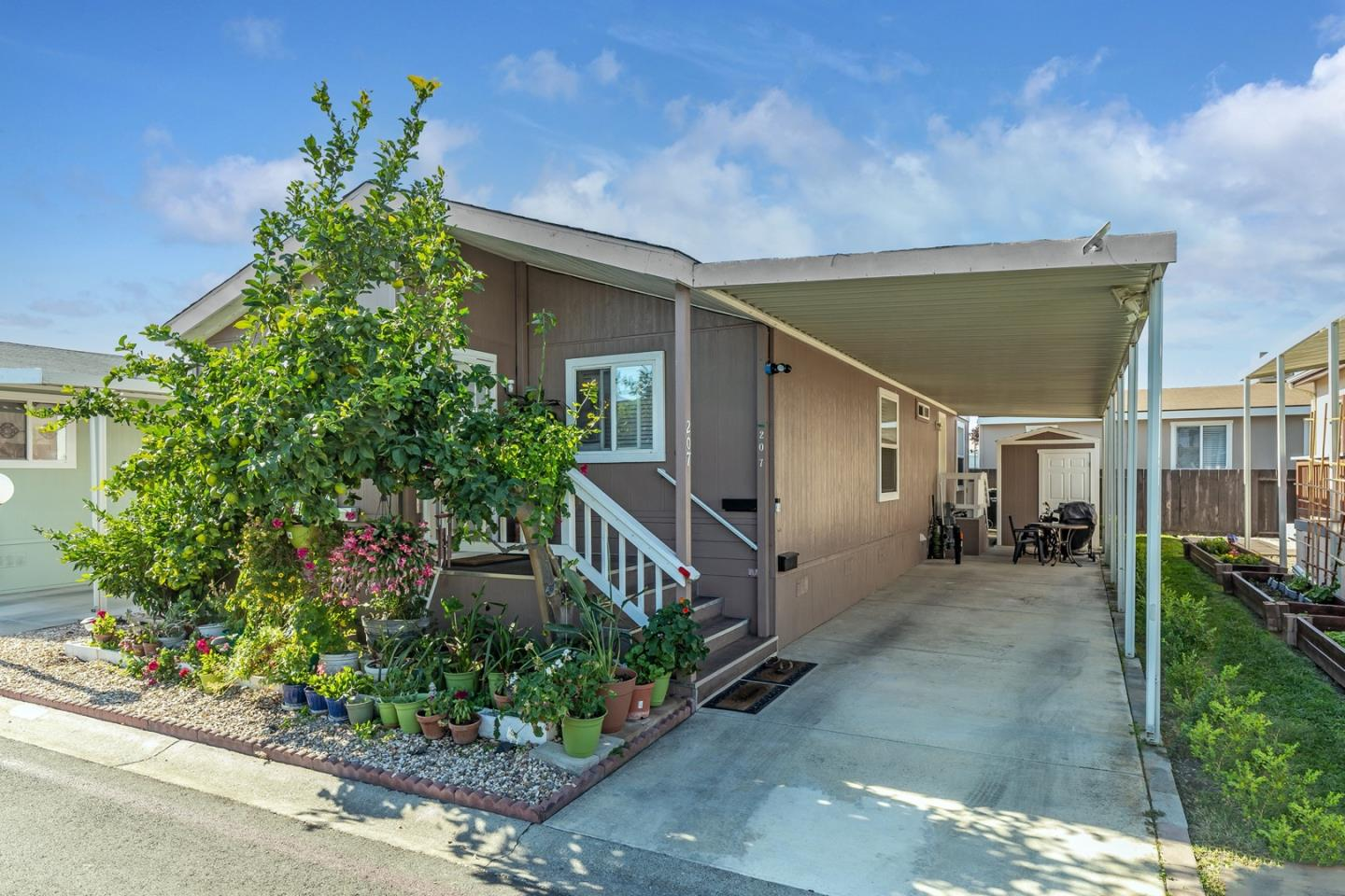 Detail Gallery Image 1 of 1 For 1220 Tasman Dr #207,  Sunnyvale,  CA 94089 - 3 Beds | 2 Baths