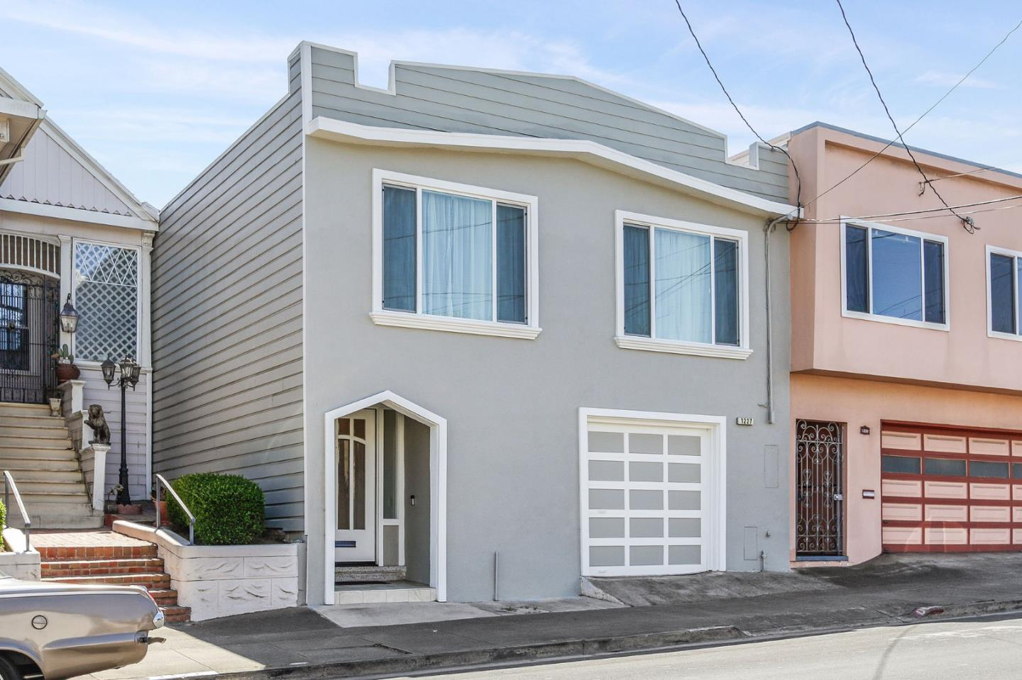 Detail Gallery Image 1 of 1 For 1227 Brunswick St, Daly City,  CA 94014 - 2 Beds | 1 Baths