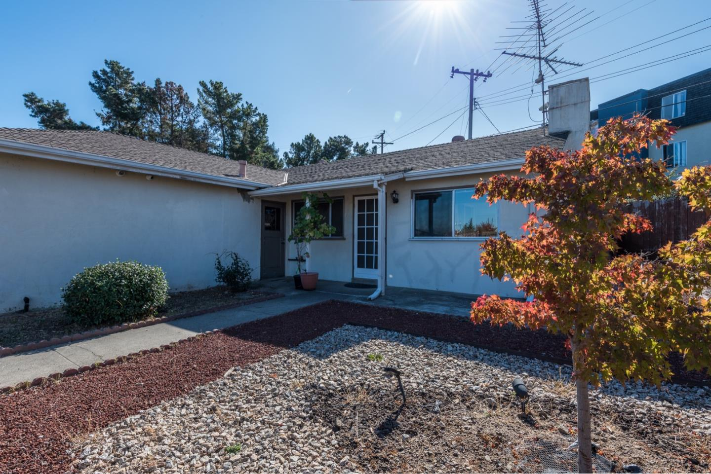 Detail Gallery Image 1 of 1 For 533 Cambridge St, Belmont,  CA 94002 - 3 Beds | 1 Baths