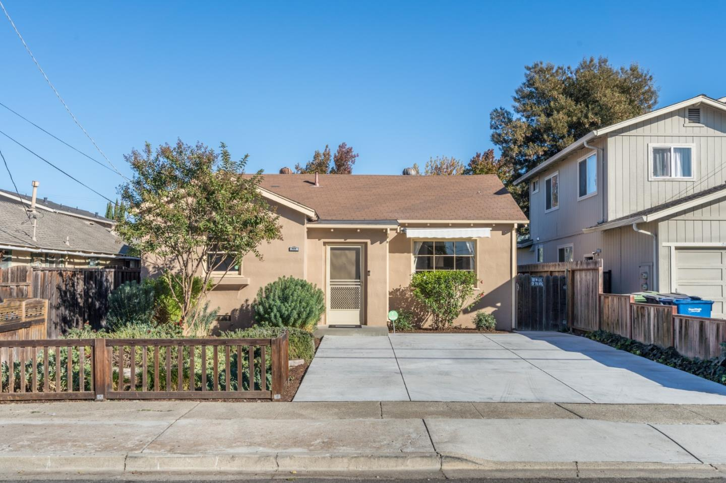 Detail Gallery Image 1 of 1 For 446 Irving Ave, San Jose,  CA 95128 - 2 Beds   1 Baths