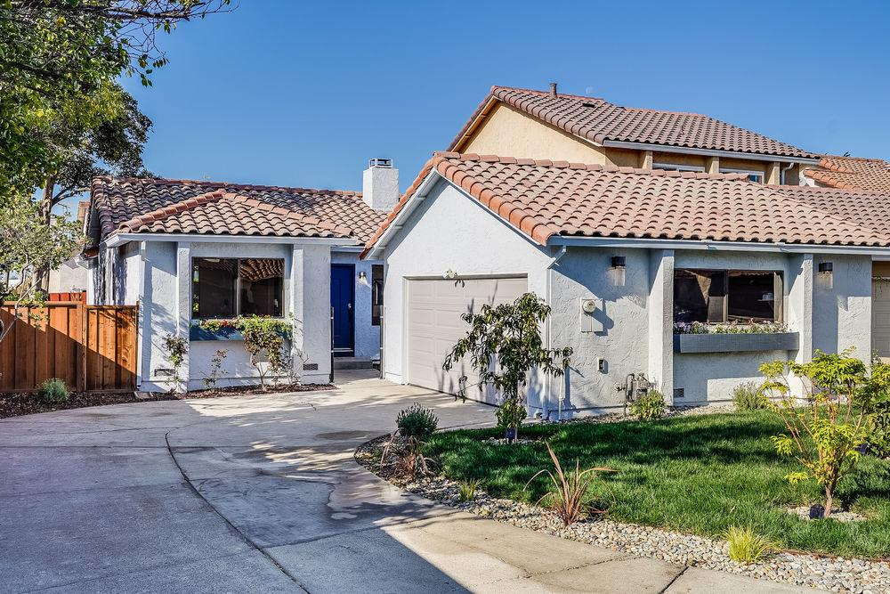 Detail Gallery Image 1 of 1 For 1057 Big Bear Ct, Milpitas,  CA 95035 - 2 Beds | 2 Baths