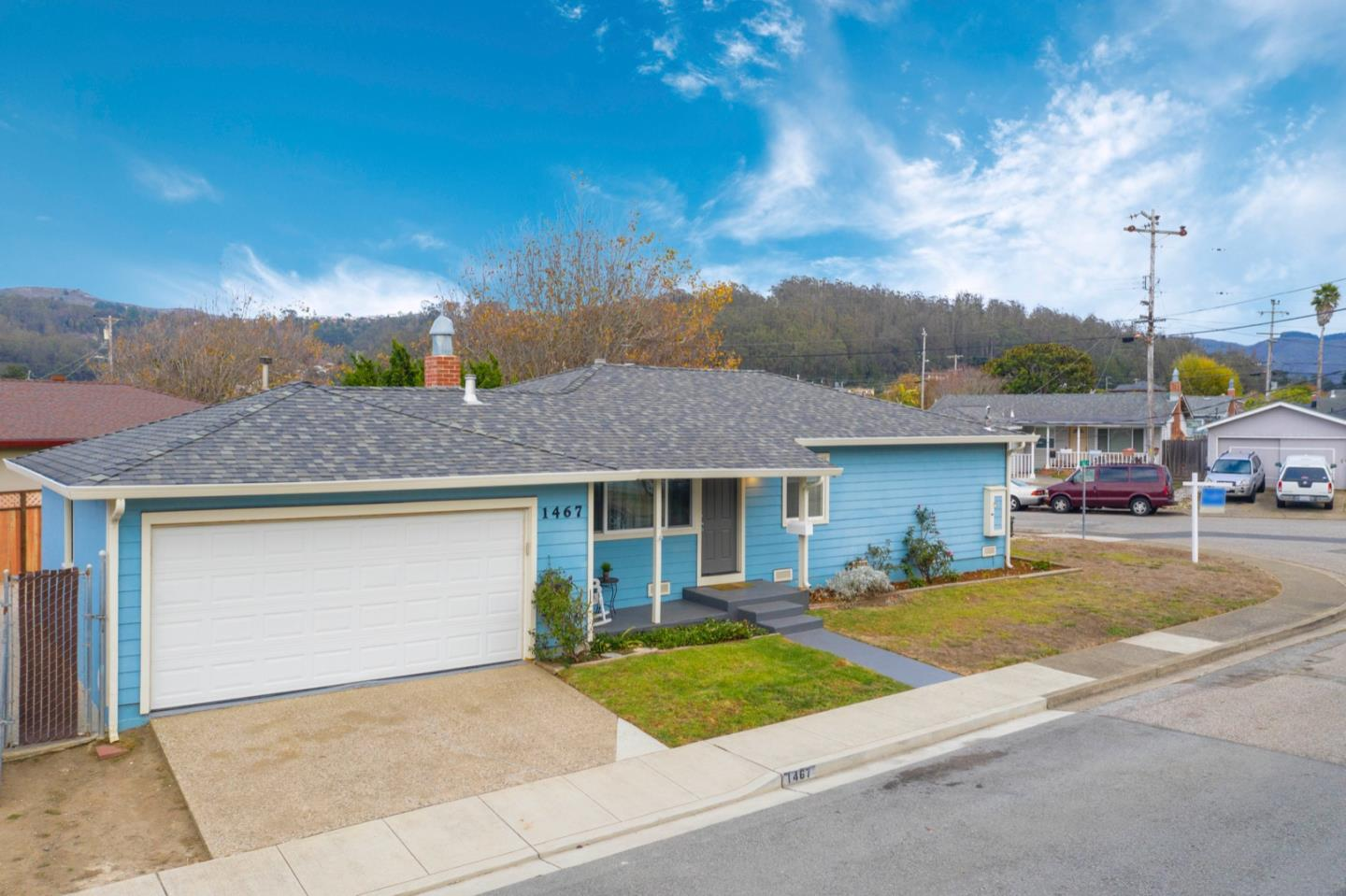 Detail Gallery Image 1 of 1 For 1467 Flores Dr, Pacifica,  CA 94044 - 3 Beds | 1 Baths
