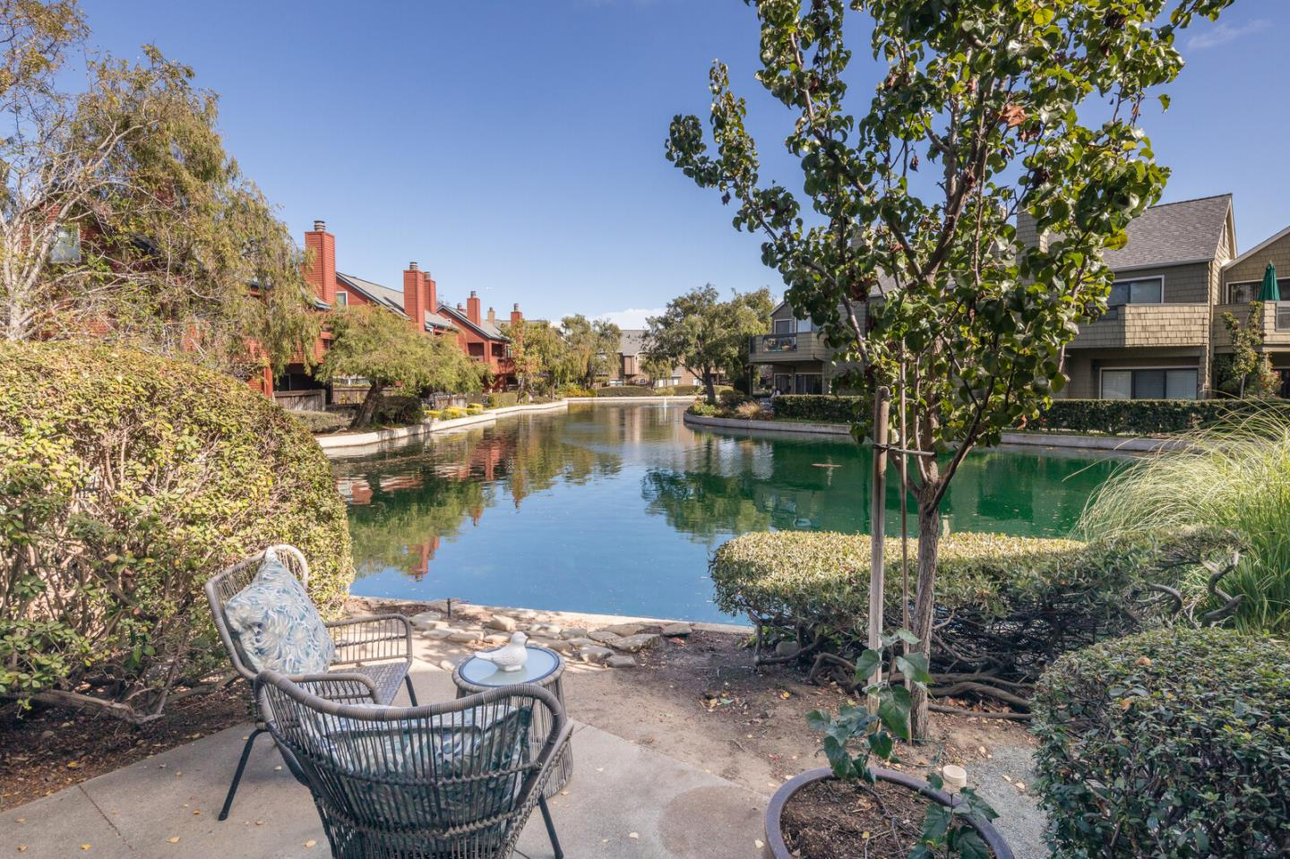Detail Gallery Image 1 of 1 For 1003 Shoreline Dr, San Mateo,  CA 94404 - 2 Beds | 2 Baths