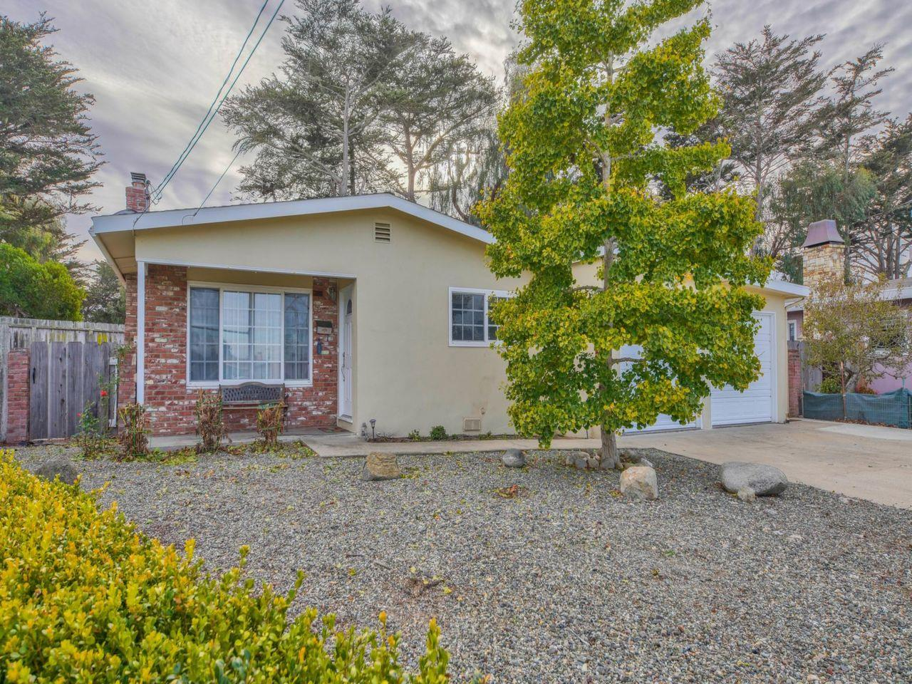 Detail Gallery Image 1 of 1 For 238 Fitzgerald Cir, Marina,  CA 93933 - 4 Beds   3 Baths