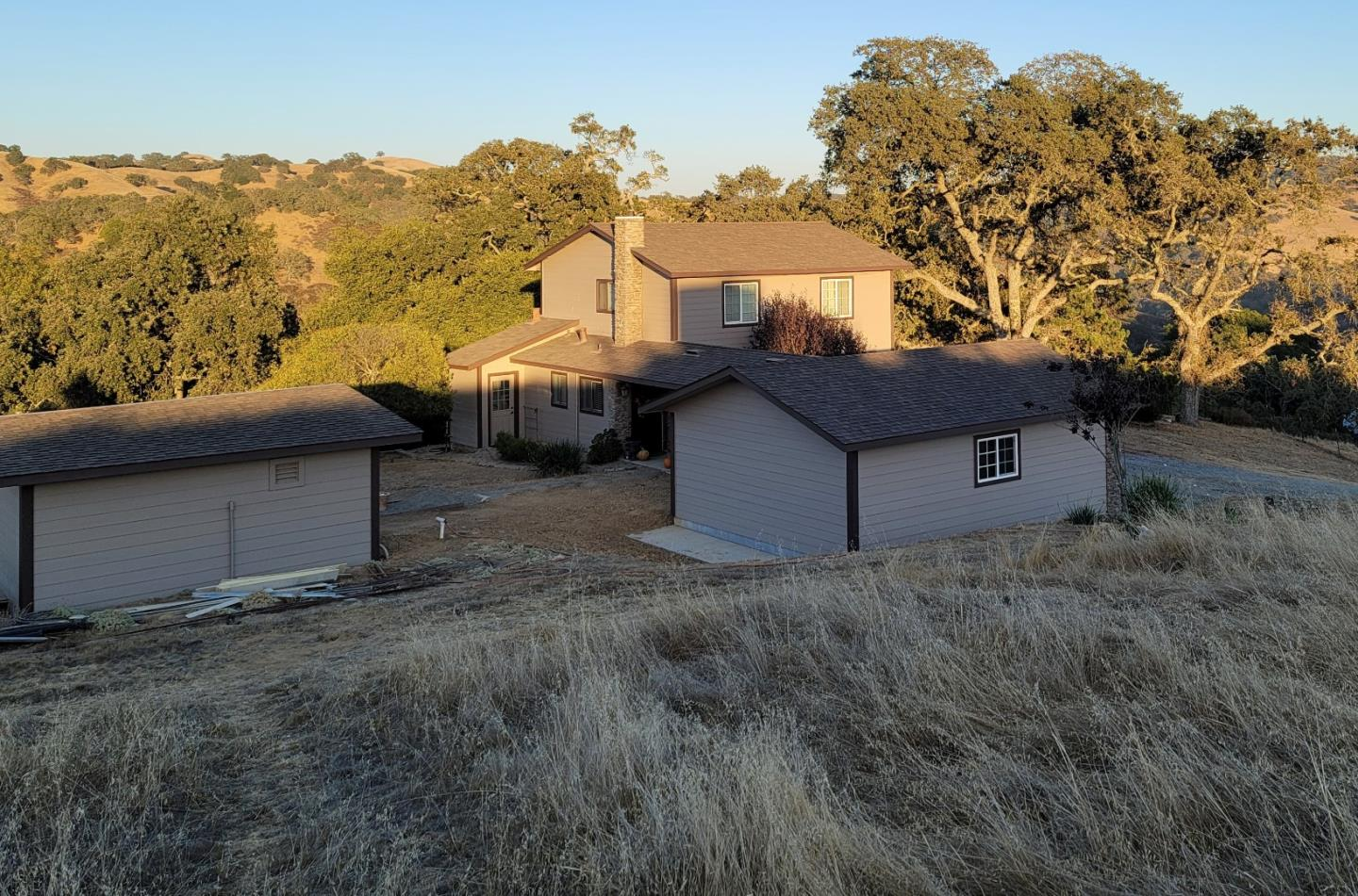 Detail Gallery Image 1 of 43 For 17400 Finley Ridge Rd, Morgan Hill,  CA 95037 - 4 Beds   1 Baths