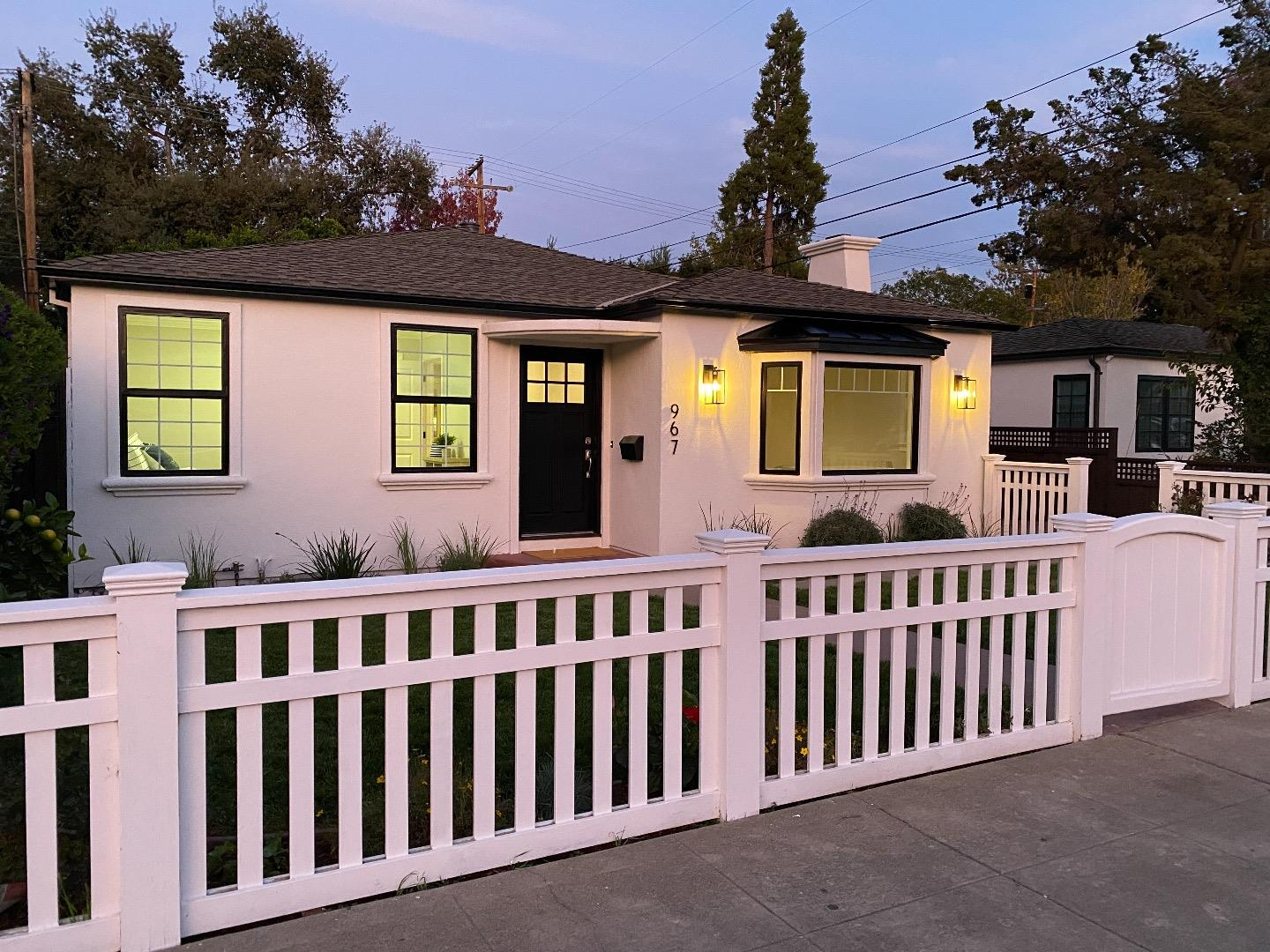 Detail Gallery Image 1 of 1 For 967 Orange Ave, San Carlos,  CA 94070 - 3 Beds | 2 Baths