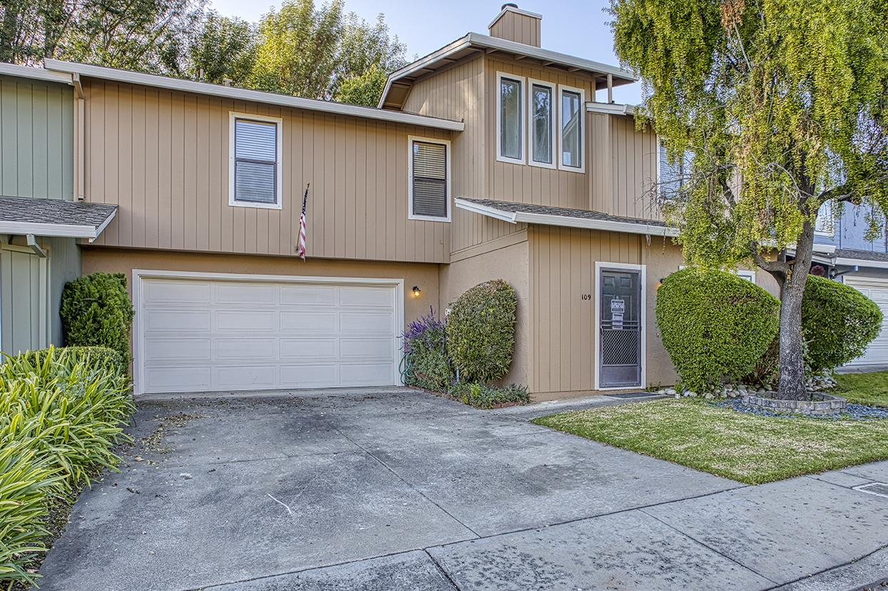 Detail Gallery Image 1 of 1 For 109 Brookshire Dr, Watsonville,  CA 95076 - 3 Beds | 2/1 Baths