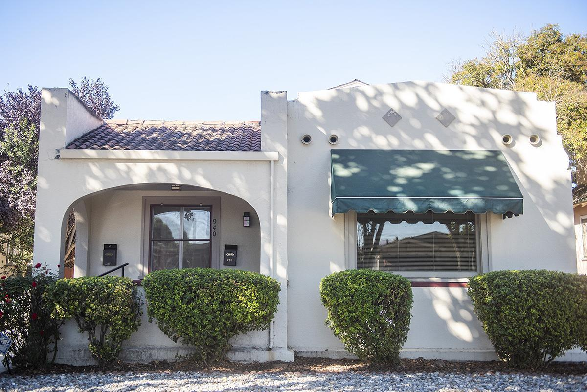 Detail Gallery Image 1 of 26 For 940 San Benito St, Hollister,  CA 95023 - 4 Beds | 2 Baths