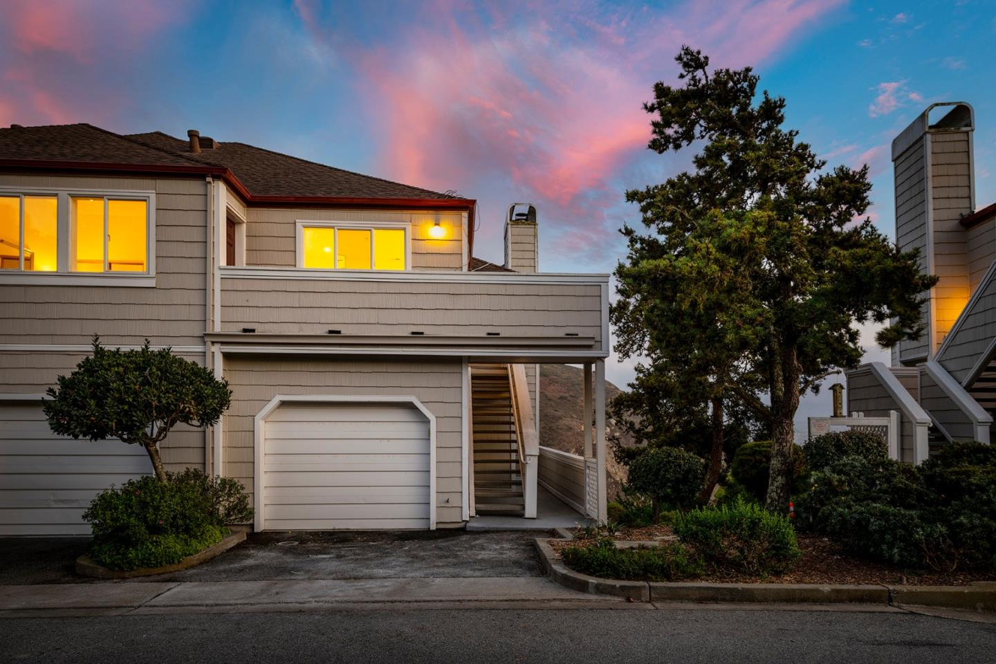 Detail Gallery Image 1 of 1 For 723 Green Ridge Dr #4,  Daly City,  CA 94014 - 2 Beds | 2 Baths