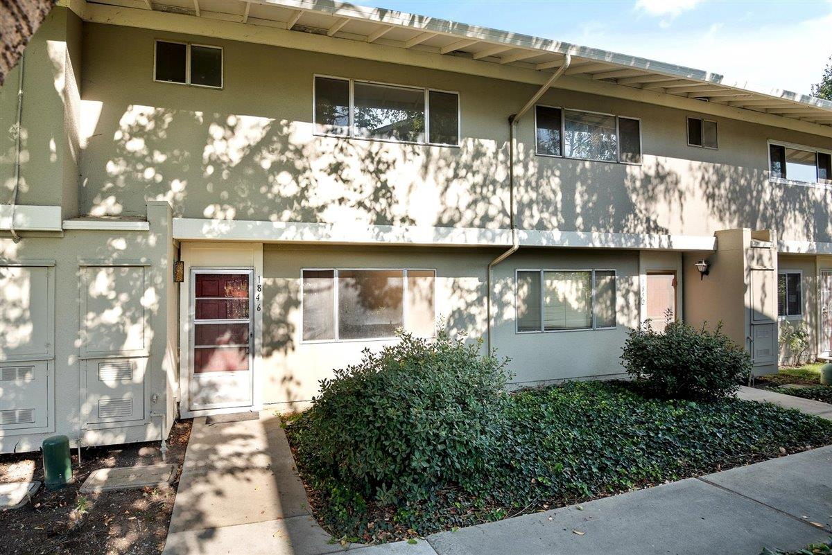 Detail Gallery Image 1 of 1 For 1846 Strawberry Ln, Milpitas,  CA 95035 - 3 Beds   1/1 Baths