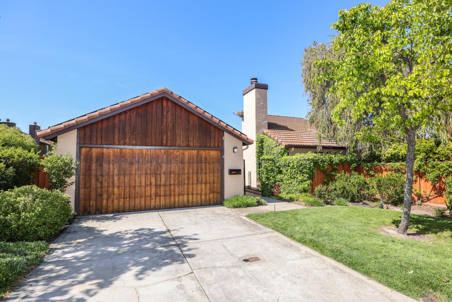 Detail Gallery Image 1 of 49 For 603 San Nicholas Ln, Foster City,  CA 94404 - 3 Beds | 2 Baths