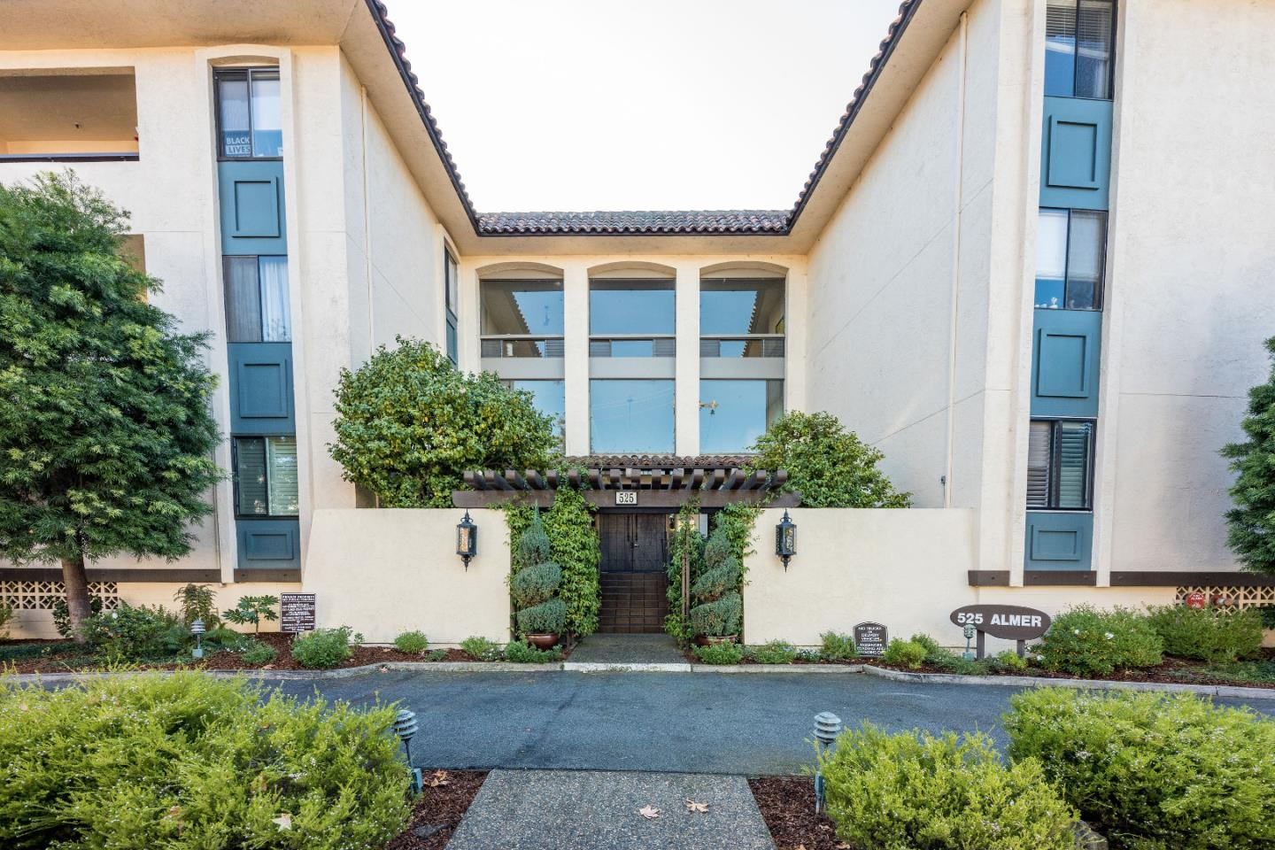 Detail Gallery Image 1 of 1 For 525 Almer Rd #307,  Burlingame,  CA 94010 - 2 Beds | 2 Baths