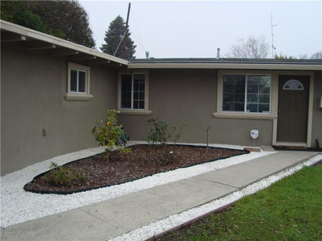 Detail Gallery Image 1 of 14 For 997 Crestwood Ct, Sunnyvale,  CA 94089 - 3 Beds   2 Baths
