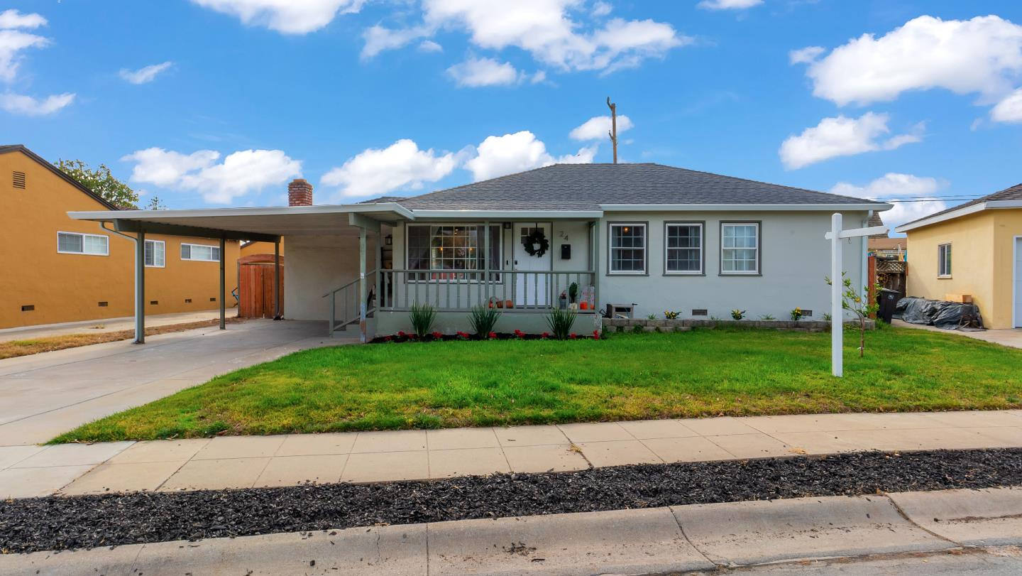 Detail Gallery Image 1 of 1 For 24 Grove St, Salinas,  CA 93901 - 3 Beds   2 Baths