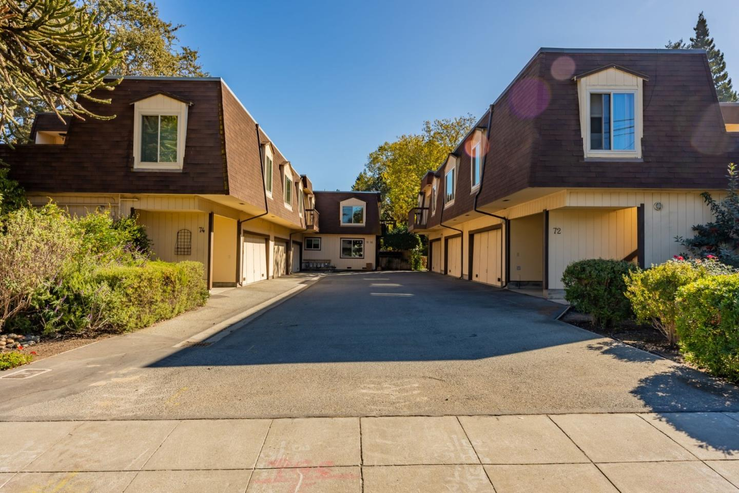 Beautiful and spacious 1,113 square foot condo located in Menlo Park.  Featuring 2 bedrooms, 2 bathrooms and an attached 2 car garage. Easy access to shopping centers, Parks and highways. Close to Google, Facebook and other high tech companies.