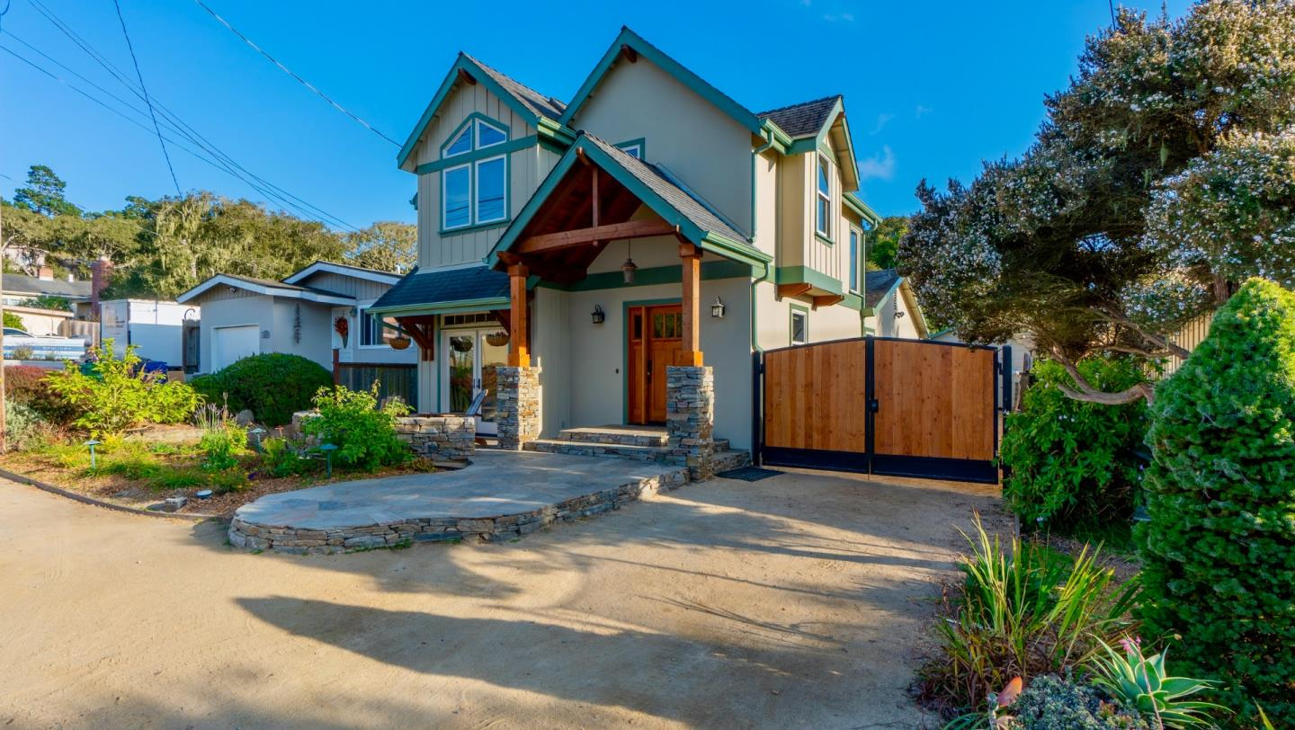 Detail Gallery Image 1 of 1 For 1225 Miles Ave, Pacific Grove,  CA 93950 - 3 Beds   2 Baths