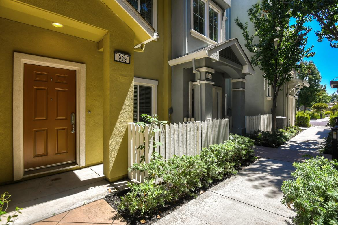 Detail Gallery Image 1 of 1 For 929 Alegre Pl, San Jose,  CA 95126 - 2 Beds | 2/1 Baths