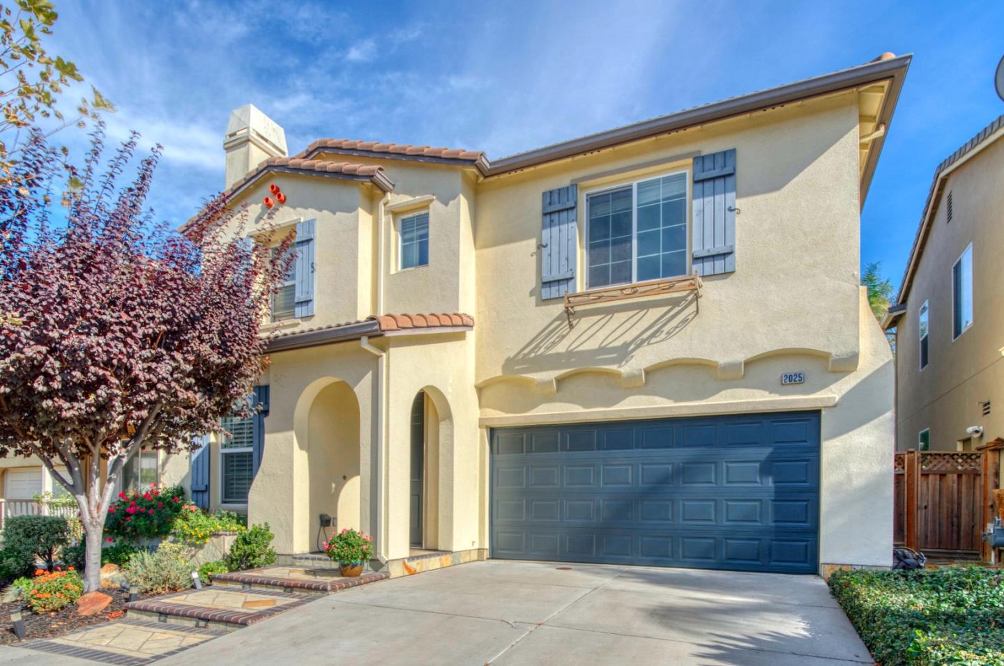 Detail Gallery Image 1 of 1 For 2025 Bright Willow Cir, San Jose,  CA 95131 - 4 Beds   2/1 Baths