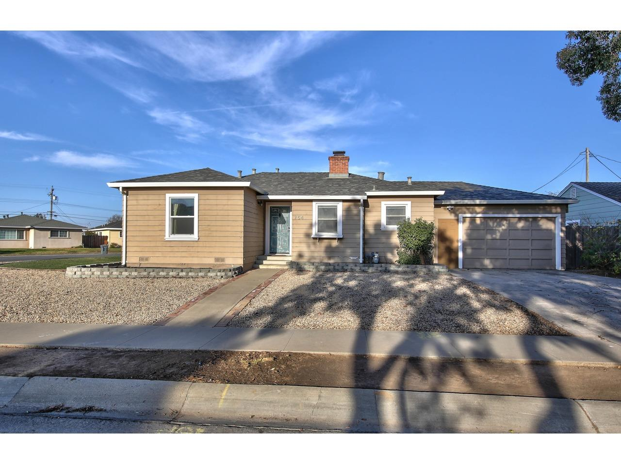 Detail Gallery Image 1 of 1 For 254 Douglas Ave, Salinas,  CA 93906 - 2 Beds | 1 Baths